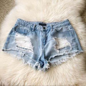 Forever 21 Distressed Cutoff Light Denim Shorts M